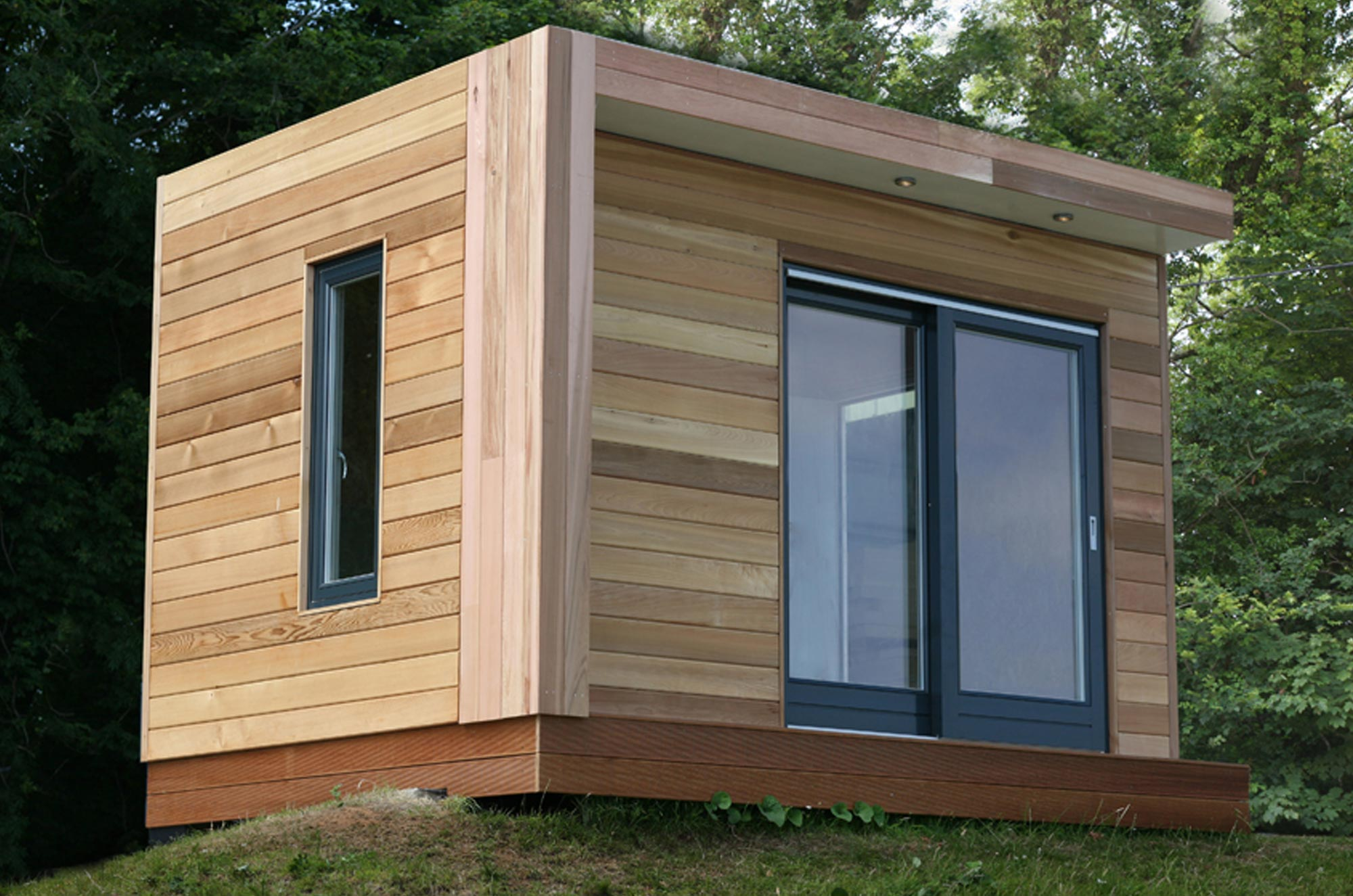 Garden rooms cornwall devon building with boxes for Garden office wales